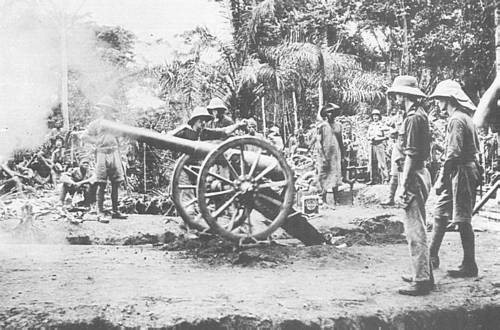 A 12 pounder in action. Fort Dachang, 1915