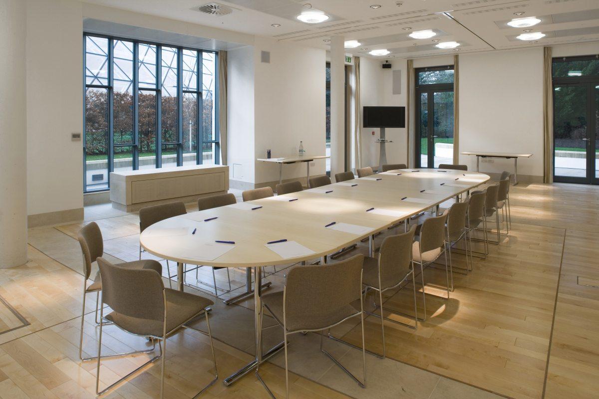 Cavonius Centre - boardroom style