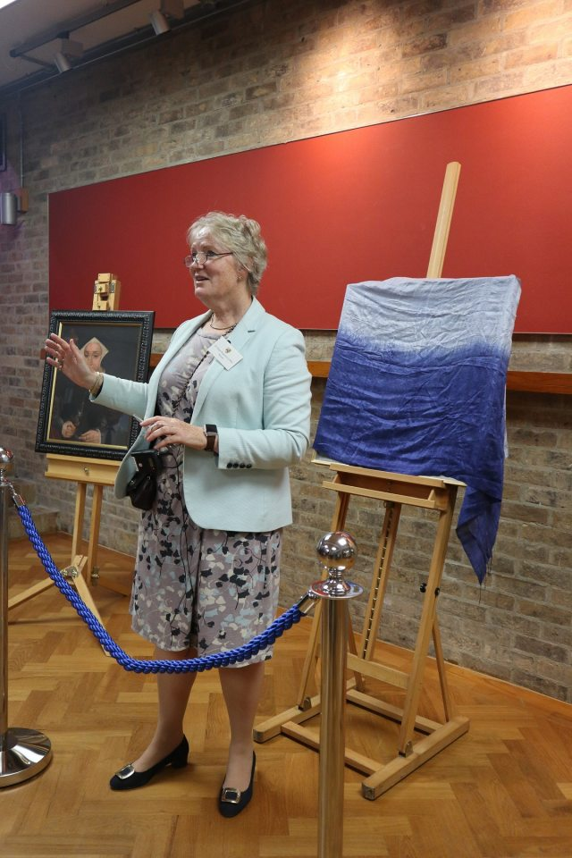 A close up of Dr Pippa Rogerson saying a few words before unveiling the portrait.
